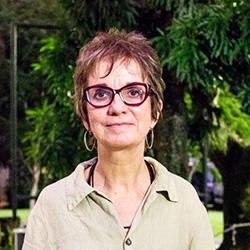 Prof Lucia Sa