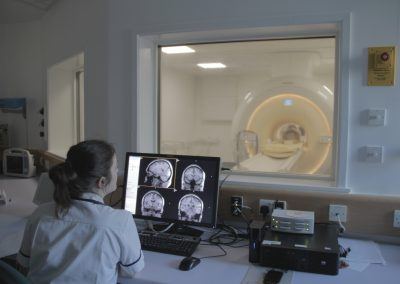 Magnetic Resonance Imaging (MR) 1